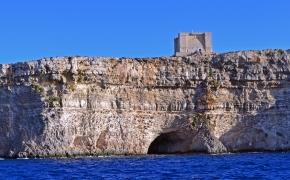 Komino sala Maltoje – sustojęs laikas ir vėjas šiaušiantis mintis