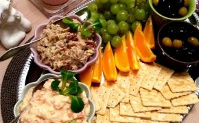 2 užtepėlės – su tunu ir pikantiška su pomidorais