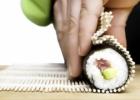 Kaip gaminamas maki sušio suktinukas? (VIDEO)