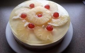 Nekeptas ananasų ir kokoso tortas (Pina Colada)
