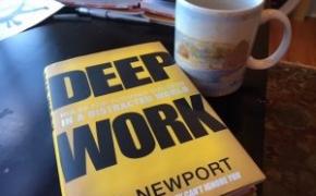 """Kodėl nemokame susikaupti. Knygos """"DEEP WORK"""" apžvalga"""