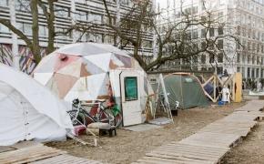 Neoficialus Londonas: gyvenimo skvotuose patirtis