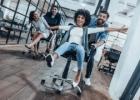 5 priežastys, dėl kurių jūs privalote turėti gerą biuro kėdę