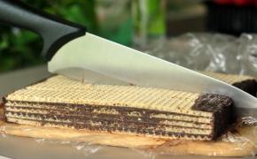 Nekeptas vaflių tortas arba vaflinis tinginys