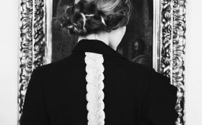 Birutė Simokaitytė. Simbolis. Plaukai