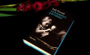 """Jodi Picoult """"Nykstantys pavidalai"""""""
