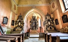 Čekija, apleista bažnyčia