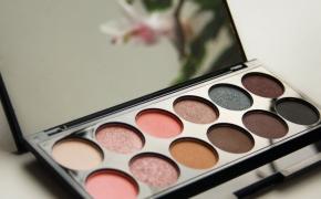 """Sleek kosmetika #3: akių šešėlių paletė """"Oh so special"""""""