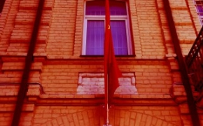 Jei raudonas komunistinis maras yra turtingas, galime jo nematyti?