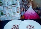 Vinilinė plokštelė: Gwen Stefani – You Make it Feel Like Christmas [vinyl, 2LP] (Deluxe edition) (2018)