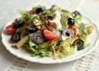Tuno salotos su alyvuogėmis