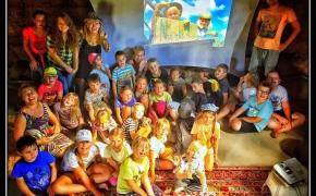 """teatras """"TEATRIUKAS"""" ieško savanorių kūrybinėms vasaros stovykloms"""