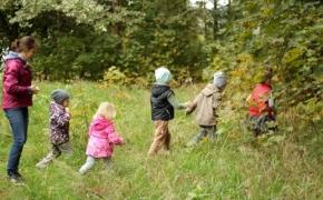 Ugdyti vaiko pasitikėjimo savimi – į gamtą
