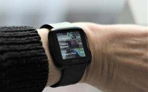 """Metai su """"FitBit Versa"""": kaip veikia ir kas sugedo per metus"""
