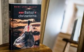 "Mary Lynn Bracht ""Baltoji chrizantema"""