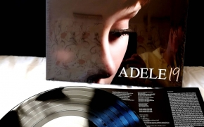 Vinilinė plokštelė: Adele – 19 [Vinyl, LP] (2008)
