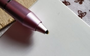 "Apžvalga: du pieštukai telefonų ekranams: ""Inpher K833 Activ capacitive Stylus Touch Pen"" ir ""Adonit Mini 3"""