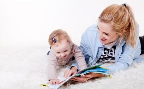 Knygų skaitymas vaikams padeda palaikyti gerus santykius