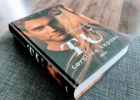 """Caroline Kepnes """"Tu"""" apžvalga: kas geriau – knyga ar """"Netflix"""" serialas?"""