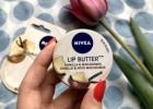 """NIVEA Lip Butter """"Vanilla & Macadamia"""" – lūpų sviestas su taukmedžių ir migdolų sviestu"""