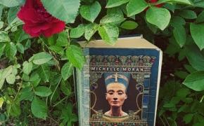 Michelle Moran: Nefertitė
