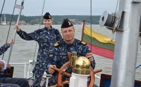 Leitenantas, kuris kapitonas (5/7) – arba kaip KJP anuomet be seržantų apsiėjo
