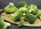 Brokolių nauda: kodėl šios daržovės engiamos nepelnytai? +3 receptai