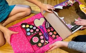 Idėja, ką padovanoti Kalėdoms mergaitei: džiaugsmas liesis per kraštus