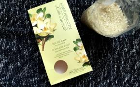 KAFE KRASOTI SPA Romantika vonios druska su magnolijų ir baltųjų lotosų  ekstraktais, pačiulių aliejumi