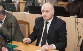 """Raimondas Pankevičius. Ar tikrai """"Lietuvai negalima patikėti jų pačių istorijos""""?"""