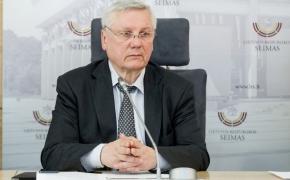 Vytautas Budnikas. Ar mūsų Konstitucija yra neutrali idiotiškoms permainoms?