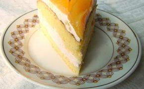 Greitas tortas su mascarpone ir persikais