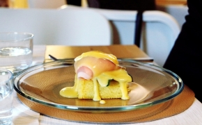 11 Places for Eggs Benedict in Vilnius. My Best and Worst Experiences.
