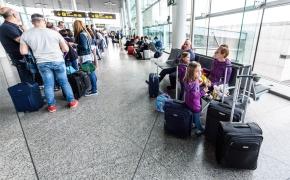 """""""Ryanair"""" kova su vėlavimais: keičiama bagažo pridavimo tvarka"""